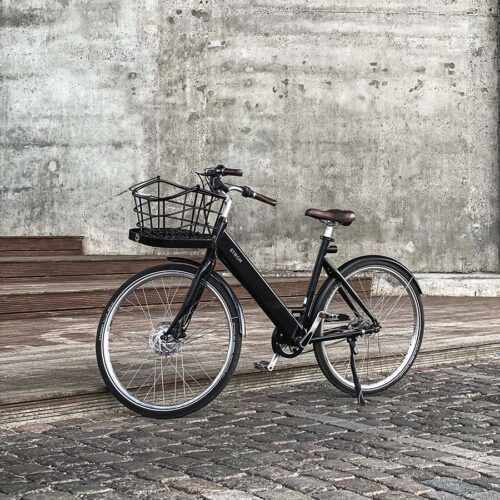 STRØM Ebike City W with basket