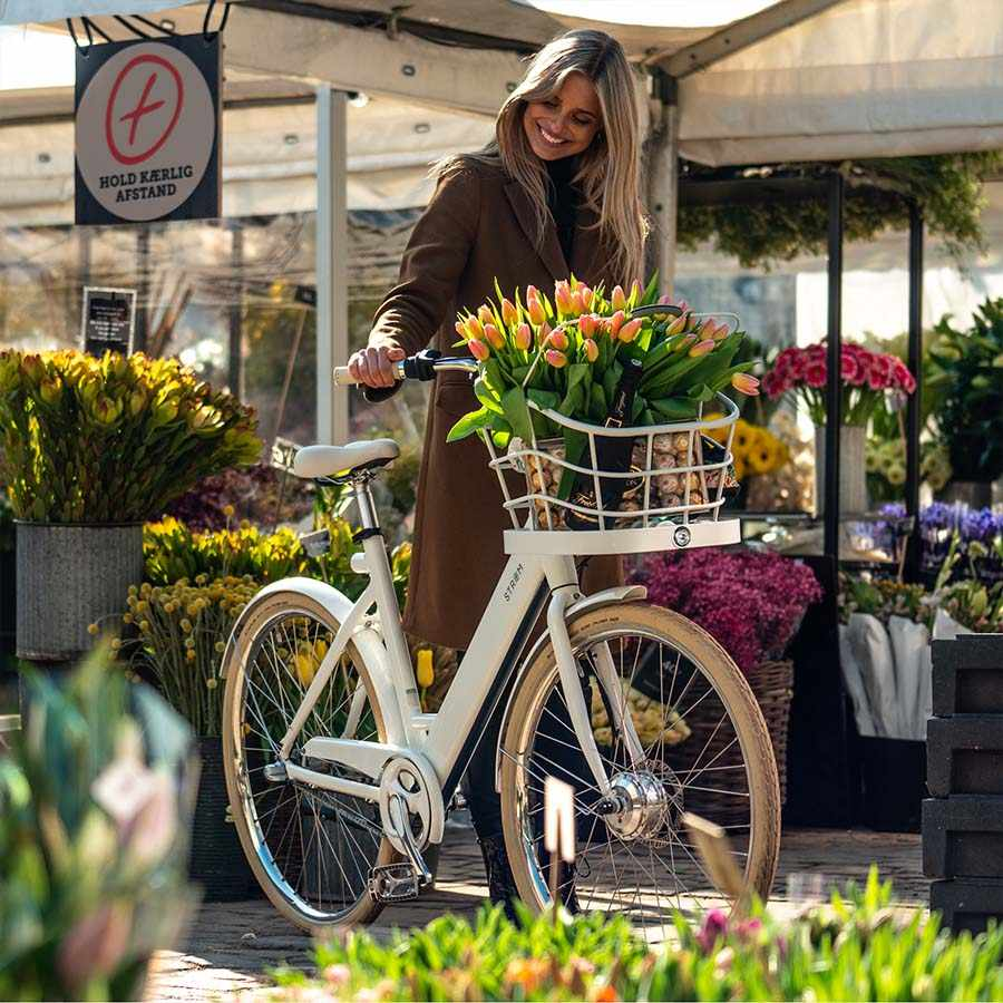 STROEM City W Ebike White basket flowers2